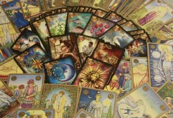 Lotus Tarot Online; Complete with Detail guidance for You!